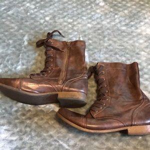 Shoes - {Target} Combat Boots
